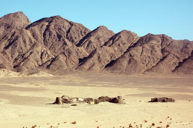 Quand les romains fortifiaient les routes du désert Oriental (Egypte)
