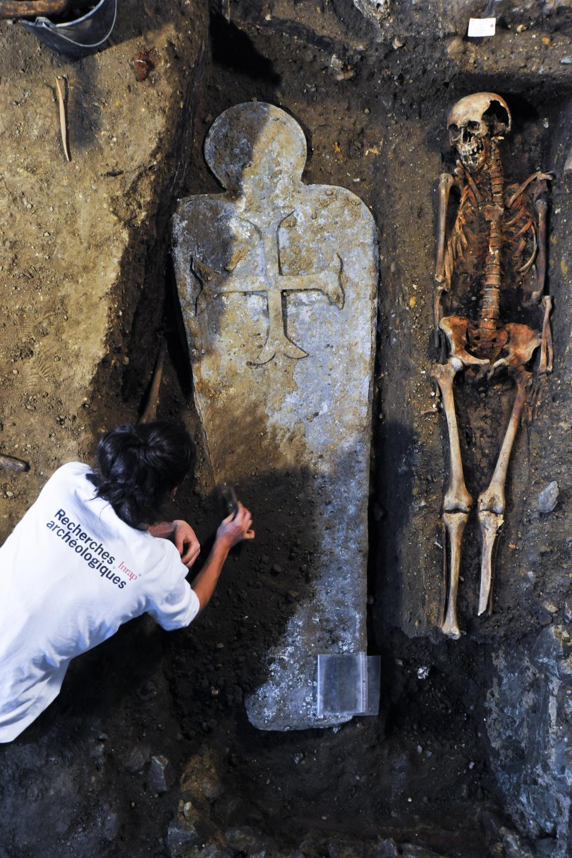 Des sarcophages et des coeurs en plomb pour d'éminents défunts