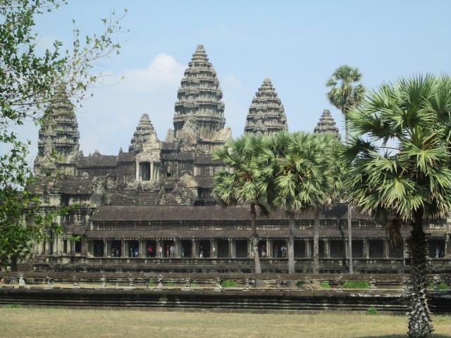 Angkor de la découverte à la création d'un mythe