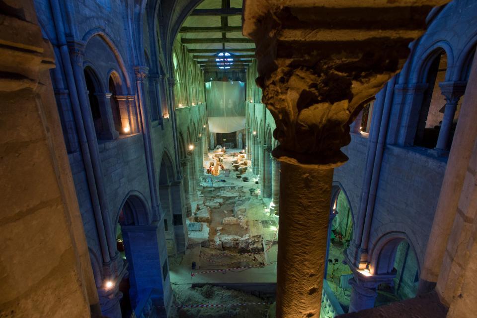 6-7-6 Vue générale de la fouille de la nef de l'église