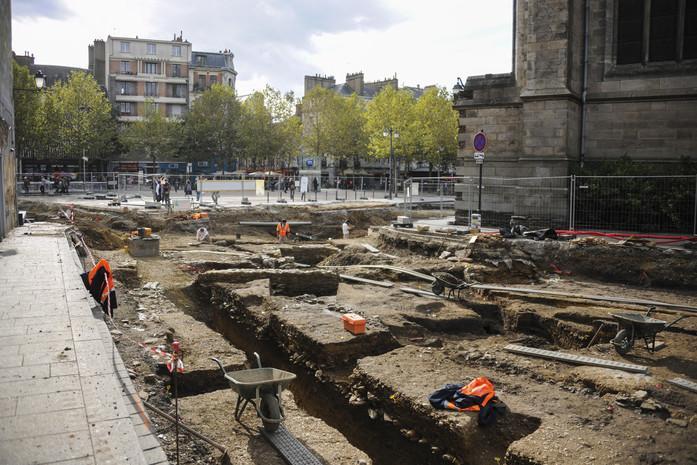 d'importants vestiges de l'époque gallo-romaine et le cimetière de l'ancien hôpital
