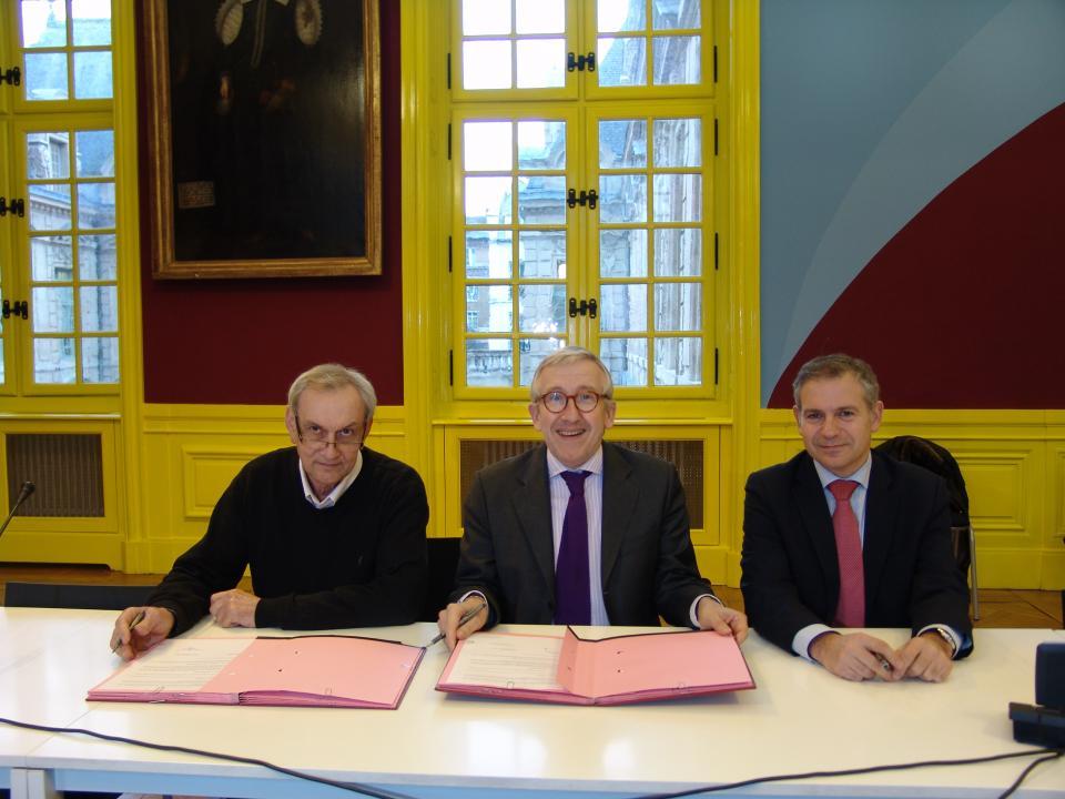 Le CMN et l'Inrap signent une convention-cadre renforçant les synergies entre les deux institutions