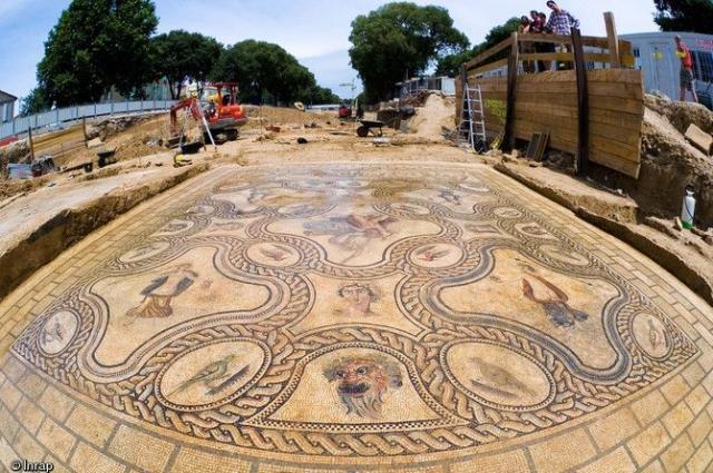« Ma petite entreprise archéologique »