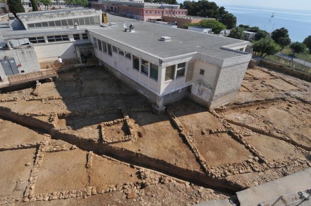 L'antique <i>Maritima Avaticorum</i> et son trésor, découvert sous Martigues