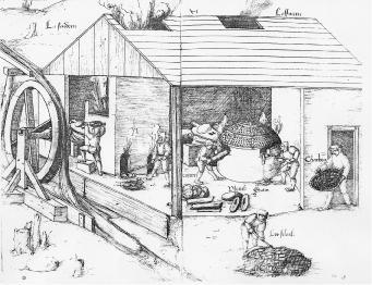 exemple de bâtiment présentant un fourneau de fonte, à gauche, et le fourneau de coupellation, à droite. Ils sont alimentés soit en charbon de bois soit en rondins. Une roue hydraulique actionne les soufflets par l'arrière. Les scories de coulées sont visibles à la base des fours, dans l'avant-creuset. Concassées, elles étaient réintroduites dans les processus de fonte successifs. Exemple iconographique tiré des dessins d'H. Gross/archives de l'École des Beaux-Arts, Paris.
