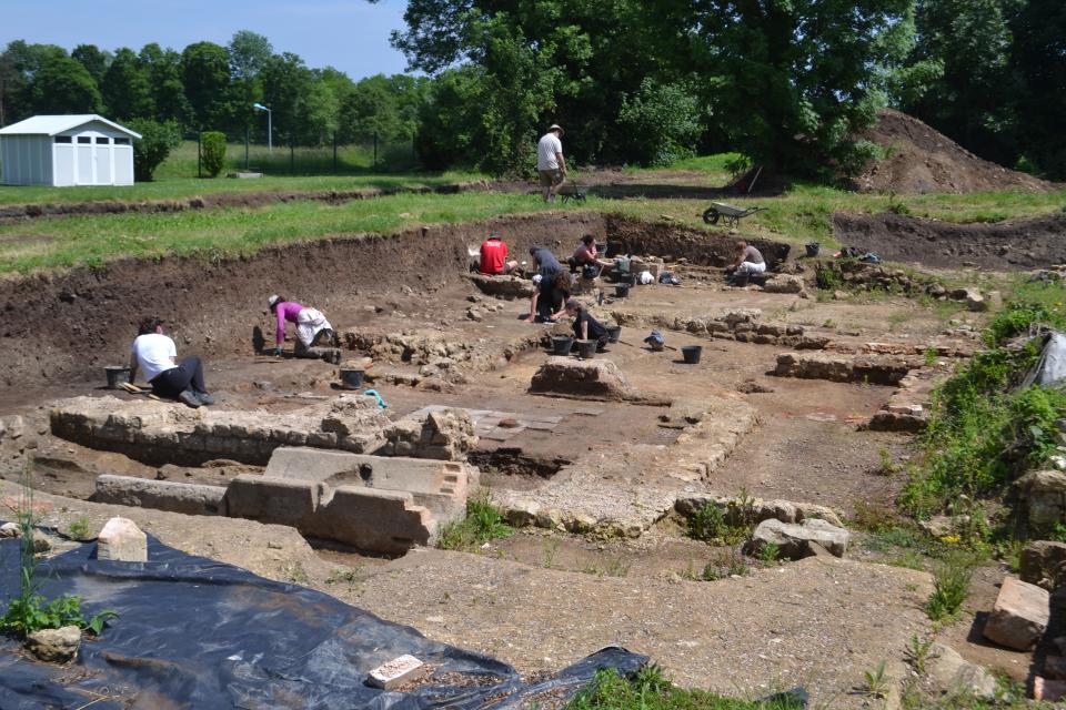 Les bains de la villa gallo-romaine en cours de fouille.