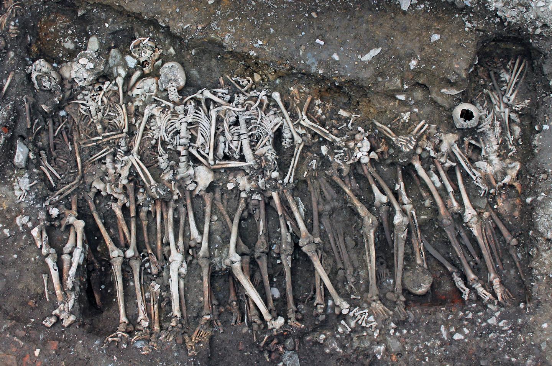 Squelettes de soldats du siège de Rennes en 1491 Colleter_et_al_suppl_1