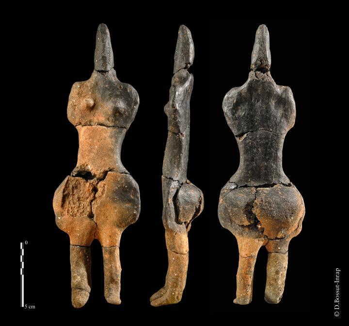 La dame de Villers-Carbonnel (Somme), vers 4000 avant notre ère, mise au jour en 2010.