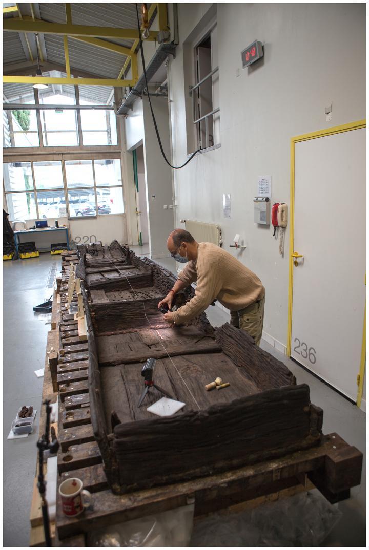 Avec les équipes d'Arc-Nucléart, Marc Guyon, archéologue Inrap a réalisé l'étude et la documentation archéologique de l'épave.