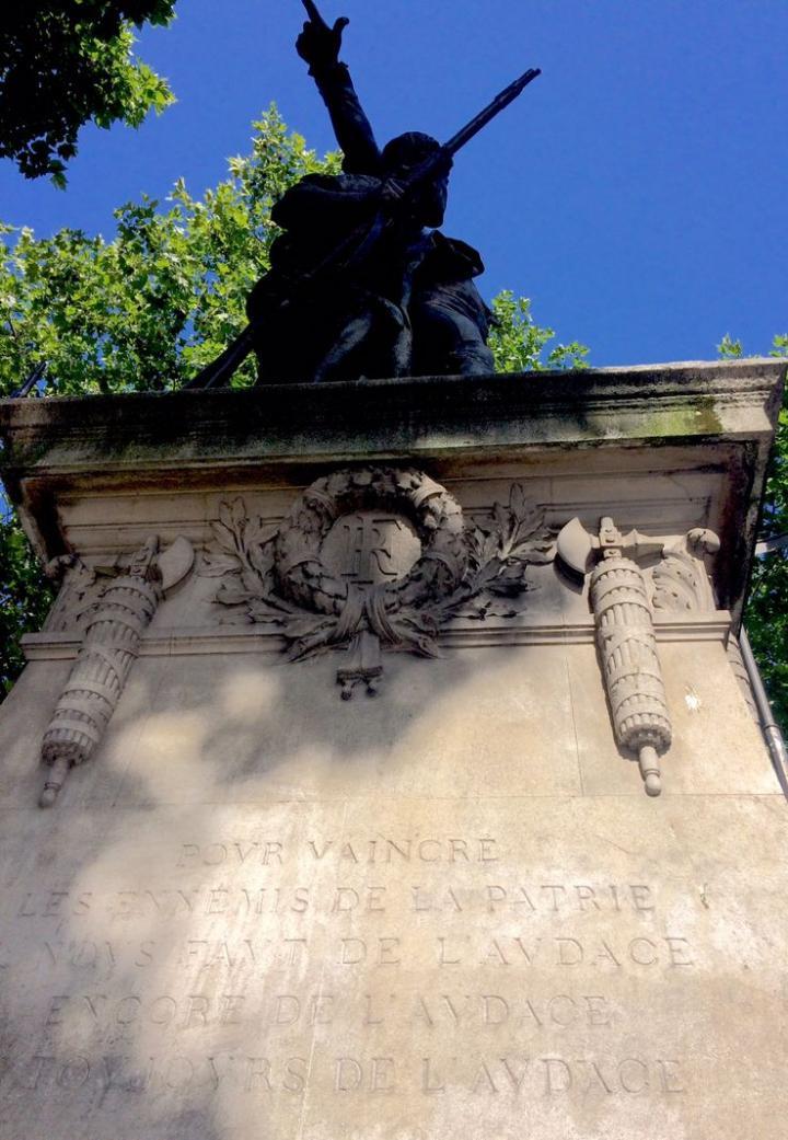 """""""de l'audace, toujours de l'audace..."""" (Danton 1792)"""