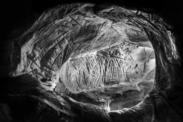 A Fontainebleau, les mystères de l'art mésolithique