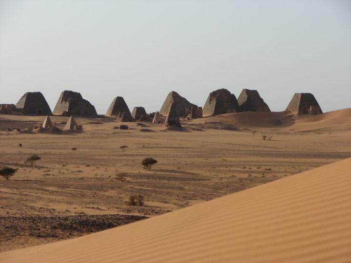 les pyramides de Méroé (nécropole royale de Begrawwiya)