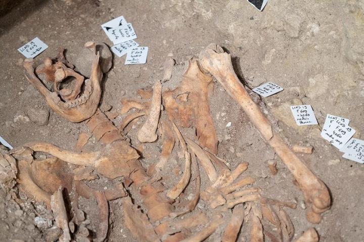 La tombe de Ludovico Sforza - Fouilles dans la Collégiale Saint-Ours de Loches (37)