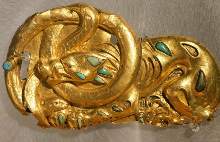 Boucle de ceinture dorée - Art scythe (3e siècle avant JC) / Musée de l'Ermitage (Saint-Petersbourg)