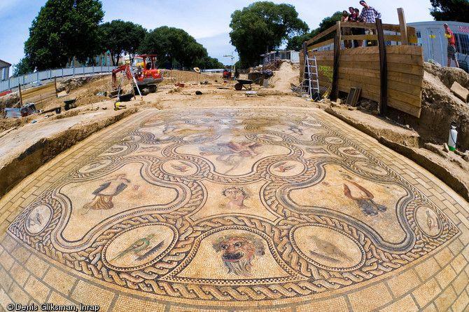 Mosaïque de Penthée, IIe siècle, fouilles de Nîmes