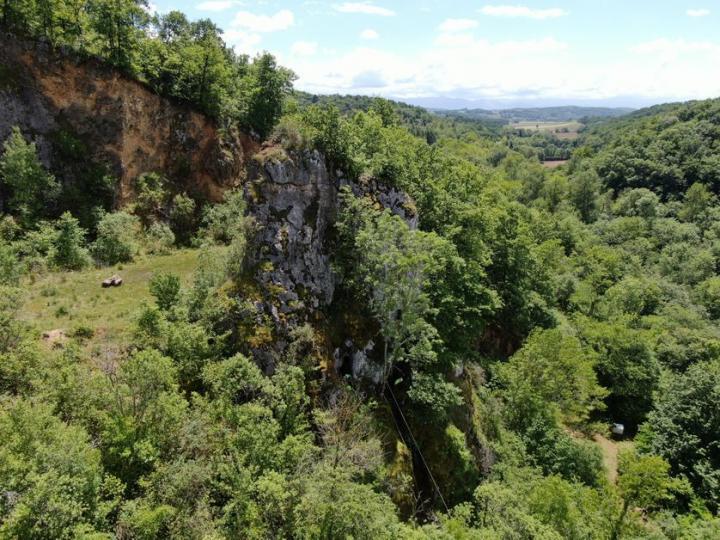 Vue des grottes (photo prise par un drône)