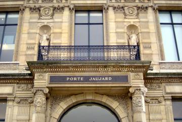 L'Ecole du Louvre et l'Inrap signent une convention de collaboration concernant leurs missions de formation et de diffusion culturelle de l'archéologie