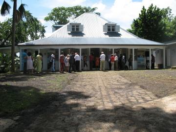 Inauguration du centre de recherches archéologiques de Gourbeyre vendredi 30 septembre 2011