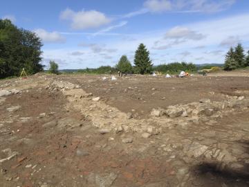 Journée portes ouvertes sur la fouille archéologique du Theil à Ussel (Corrèze)
