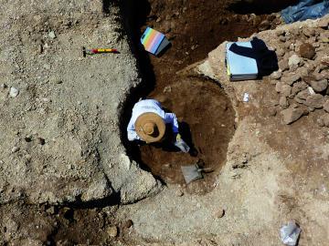 Découverte d'une sépulture du Paléolithique final à Cuges-les-Pins