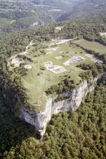 Vignette Découvrir : le site archéologique de Larina