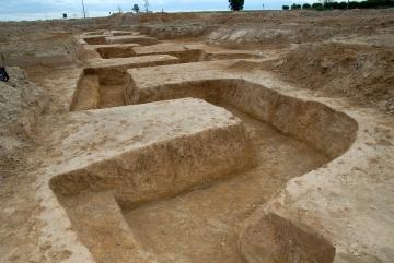 Belloy-en-France (95) : Archéologie de la Grande Guerre. Visite d'une tranchée 14-18