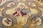 Parterres mythologiques à Nîmes