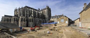 41 - Le Mans, Jardins de la cathédrale