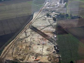 Vue aérienne du site à l'issue de la première phase de décapage