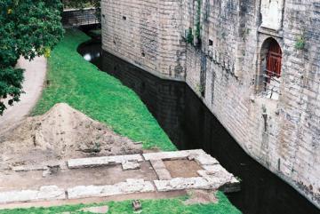 Château des ducs de Bretagne (douve et Pont de Secours)
