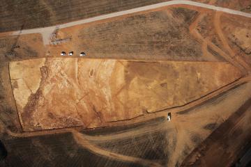 Vue aérienne du site après terrassement.  Pahon, Lattes (Hérault), 2013.  © Drone Concept, Inrap