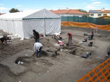 Vue du chantier en cours de fouille.
