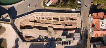 fouilles-archeologiques-tour-st-nicolas-inrap-27-octobre-l-oeil-du-drone-dji_0991-panorama.jpg