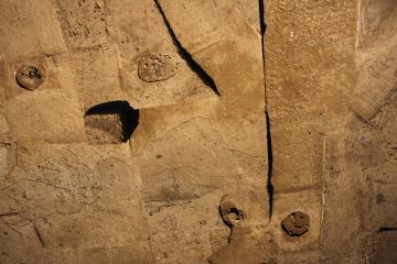 Vue aérienne partielle des sépultures de l'âge du Bronze final. Cureboussot, Redessan (Gard), 2014. © Drone Concept, Inrap