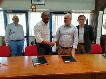 François Ringuet, maire de la Ville de Kourou, Dominique Garcia, président de l'Inrap et Daniel Guérin, directeur général de l'Inrap
