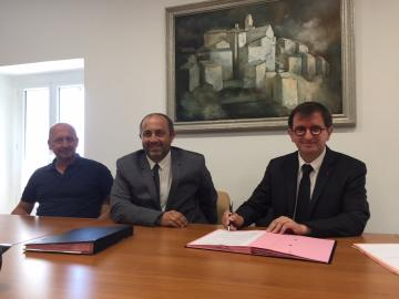 Vescovato, signature du bail en Mairie
