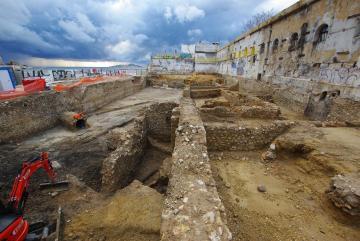 Le site archéologique vu depuis l'est