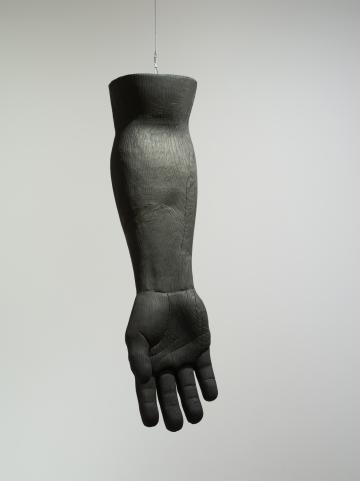 Prothèse de l'âme (Bras), Prune Nourry, 2019