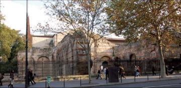 Salles thermales antiques vues du boulevard Saint-Michel