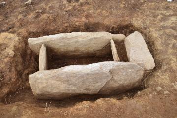 Tombe en coffre de pierre