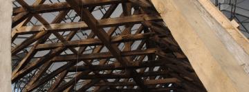 Le bois dans tous ses états : le projet de conservation restauration du bâti à la croisée des chemins...