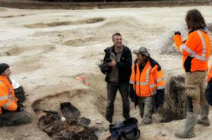 700000_Le réalisateur Olivier Lassu avec l'archéologue Bruno Duchêne.jpg