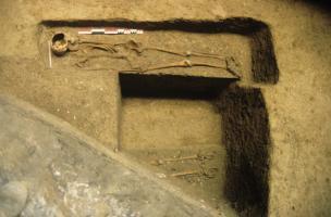 6-7-7 Sépultures superposées dans le cimetière juif médiéval