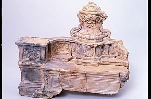 6-8-5 Maquette d'écritoire en terre cuite