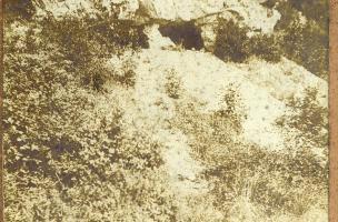 Le Trou de la Mère Clochette à Rochefort-sur-Nenon, cliché J. Feuvrier, 1909.