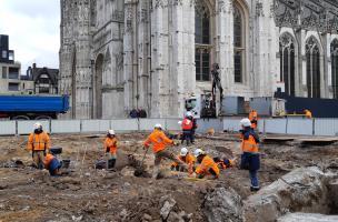 Fouille de Rouen, parvis de la cathédrale
