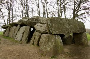 6-3-7 Dolmen breton