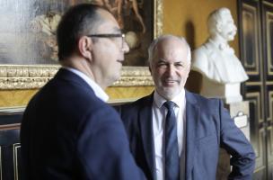 Dominique Garcia, président de l'Inrap, et Jean-Luc Martinez, président-directeur de l'Etablissement public du Musée du Louvre.jpg