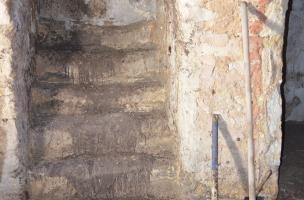 6  dsc0718.Découverte d'un mikvé dans le quartier juif médiéval de Saint-Paul-Trois-Châteaux