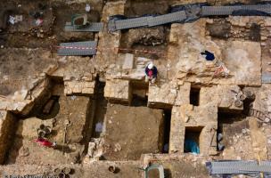 9-2-3 Restauration, archéologie du bâti 7